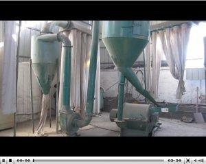 木粉机视频_生产现场_木粉机高清视频